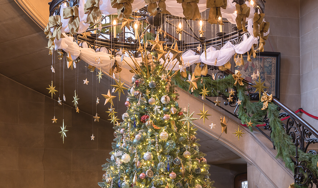 Grand Staircase Christmas tree in Biltmore House