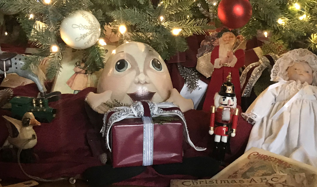 Humpty Dumpty toy under Christmas tree